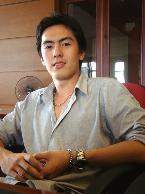 CEO Gojek Việt Nam nổi như cồn vì đẹp trai như tài tử điện ảnh, tuy nhiên học vấn cực khủng mới là điều khiến ai nấy đổ rạp - Ảnh 2.