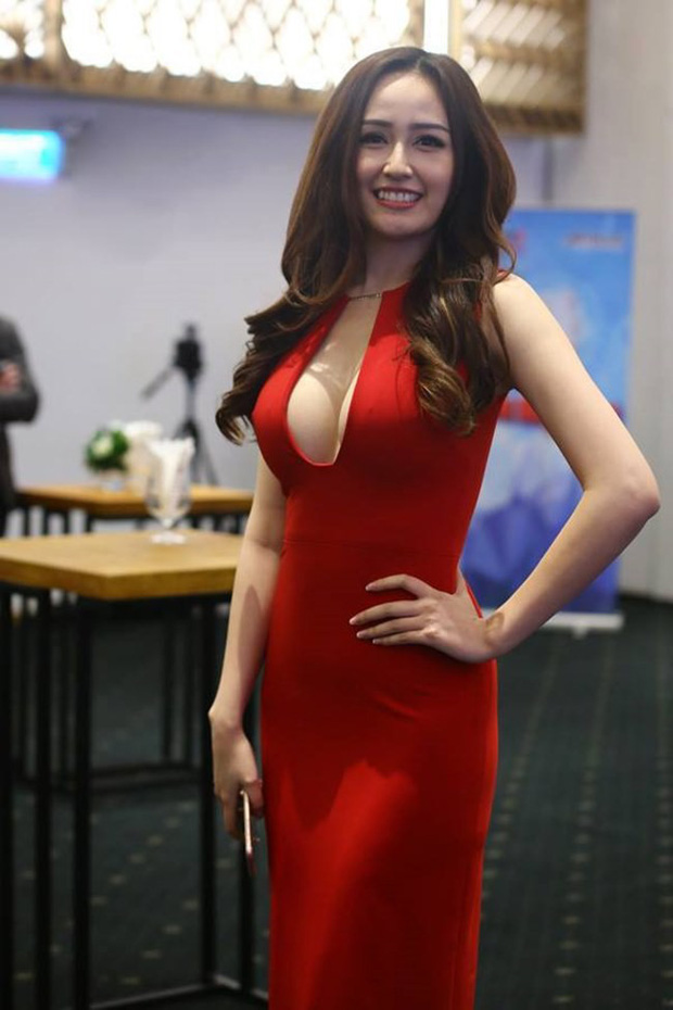 Hoa hậu mặc bốc nhất hẳn là Mai Phương Thúy: Chuyên diện váy áo trễ nải, nhiều phen vòng 1 như trào ra ngoài - Ảnh 12.