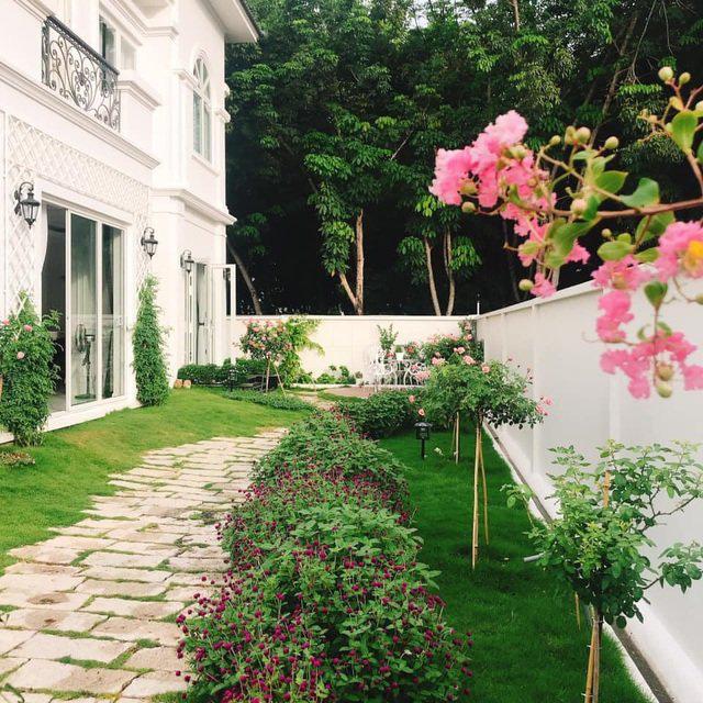 Biệt thự nhà vườn ngập tràn các loại hoa của gia đình ở Bình Dương - Ảnh 4.