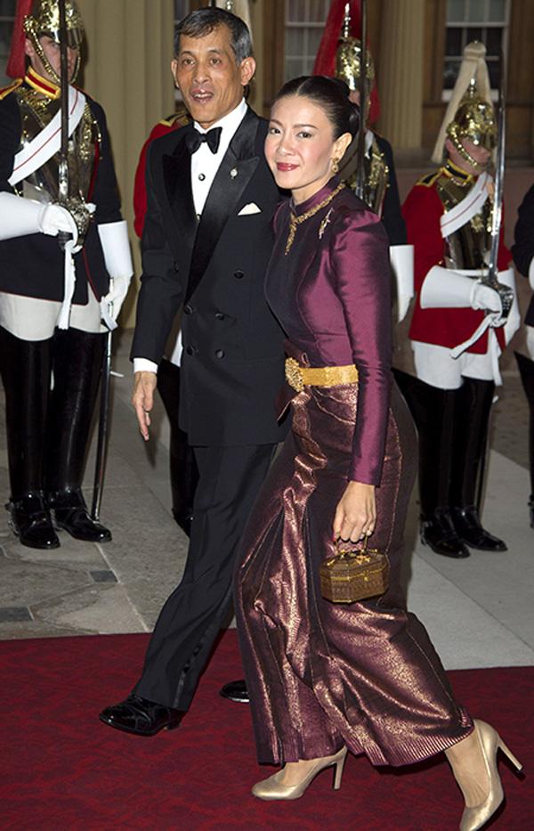 Người vợ xuất thân thường dân, từng làm phục vụ bàn của Vua Thái Lan nhận kết cục cay đắng ra sao? - Ảnh 2.