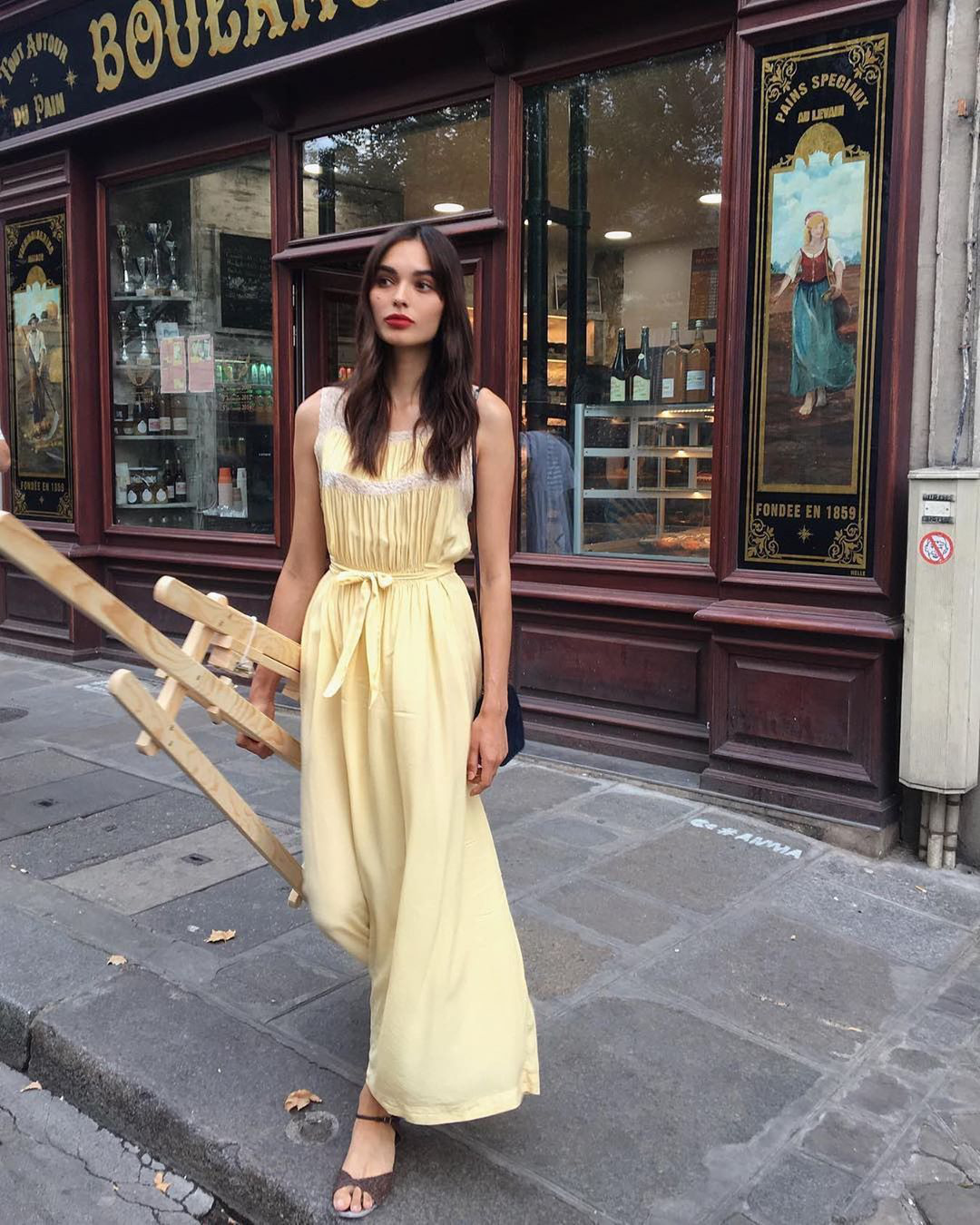 Trời se lạnh mà quẩy váy dáng dài là style sẽ yêu kiều như gái Pháp, điểm sang chảnh cũng tăng ngùn ngụt - Ảnh 8.