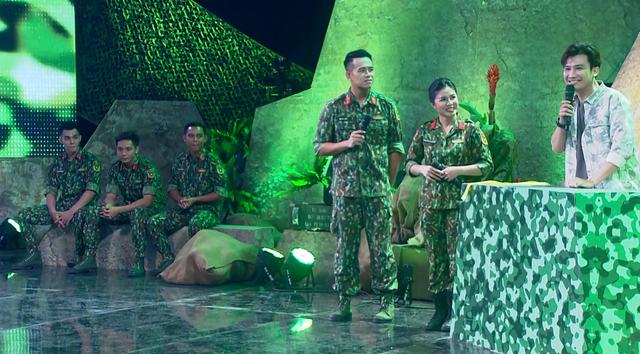 Chí Thiện tố Hoàng Yến Chibi phấn khích khi lén nhìn các chiến sĩ - Ảnh 2.