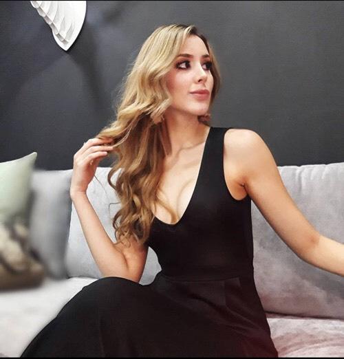 Vẻ gợi cảm của mỹ nữ 24 tuổi lên ngôi Hoa hậu Venezuela 2020 - Ảnh 8.