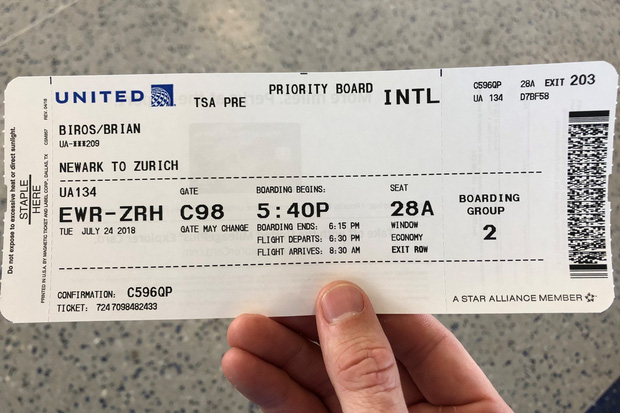 Kể cả những người đi máy bay thường xuyên cũng chưa chắc đã biết trên vé máy bay có cả ký hiệu may mắn - xui xẻo - Ảnh 3.