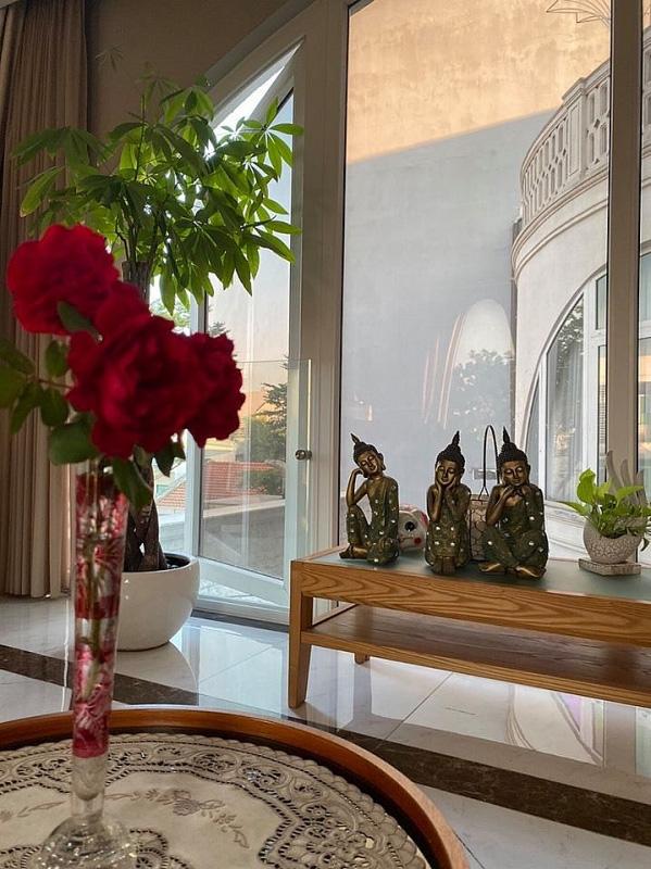 Biệt thự sang trọng như một khu vườn hoa cổ tích của hoa hậu Giáng My - Ảnh 12.
