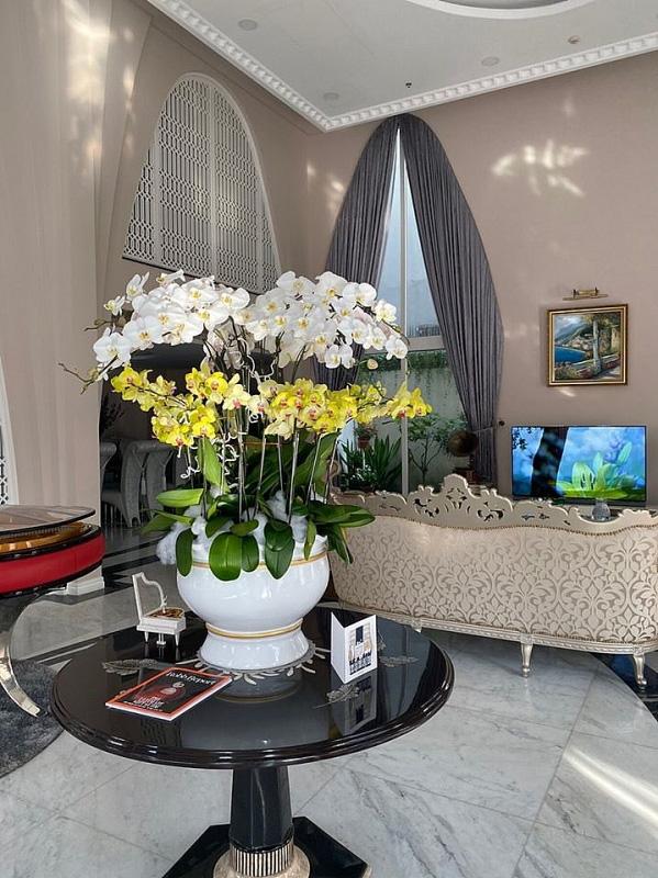 Biệt thự sang trọng như một khu vườn hoa cổ tích của hoa hậu Giáng My - Ảnh 8.
