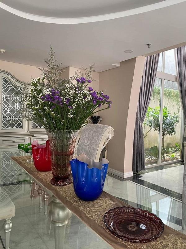 Biệt thự sang trọng như một khu vườn hoa cổ tích của hoa hậu Giáng My - Ảnh 9.