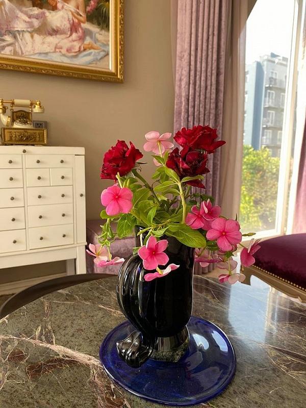 Biệt thự sang trọng như một khu vườn hoa cổ tích của hoa hậu Giáng My - Ảnh 10.