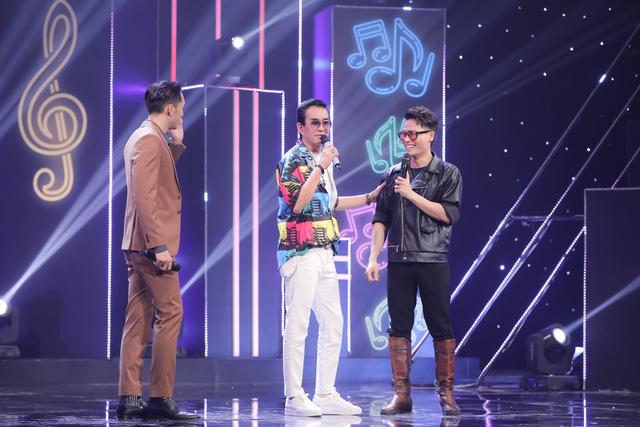Giọng ca U70 hát sung, nhảy điêu luyện như Nguyễn Hưng tại Ca sĩ ẩn danh - Ảnh 4.