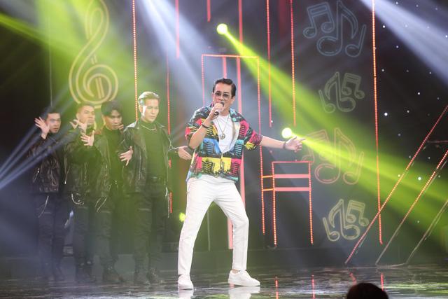 Giọng ca U70 hát sung, nhảy điêu luyện như Nguyễn Hưng tại Ca sĩ ẩn danh - Ảnh 5.