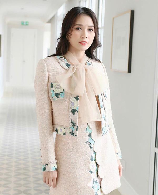 Chớm thu sao Việt diện vải tweed: Mỹ nhân đẹp chất lừ, nam nhân điệu chảy nước - Ảnh 6.
