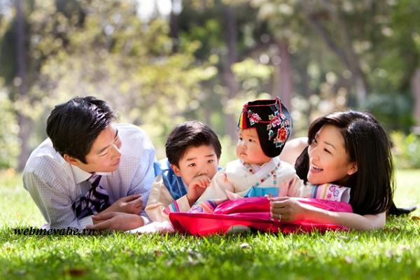 Bài học kinh nghiệm của Hàn Quốc và các nước về giảm thiểu mất cân bằng giới tính khi sinh - Ảnh 1.