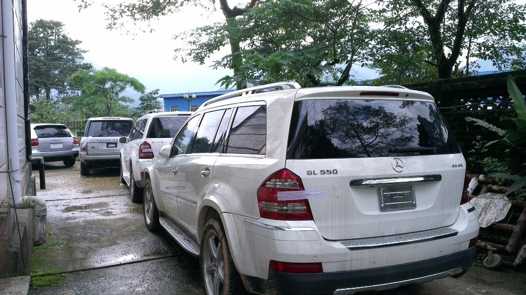 Cận cảnh dàn xe siêu sang bị tạm giữ tại Quảng Ninh 15