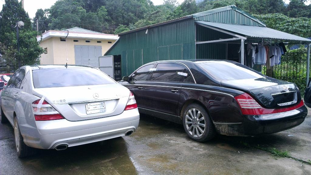 Cận cảnh dàn xe siêu sang bị tạm giữ tại Quảng Ninh 18