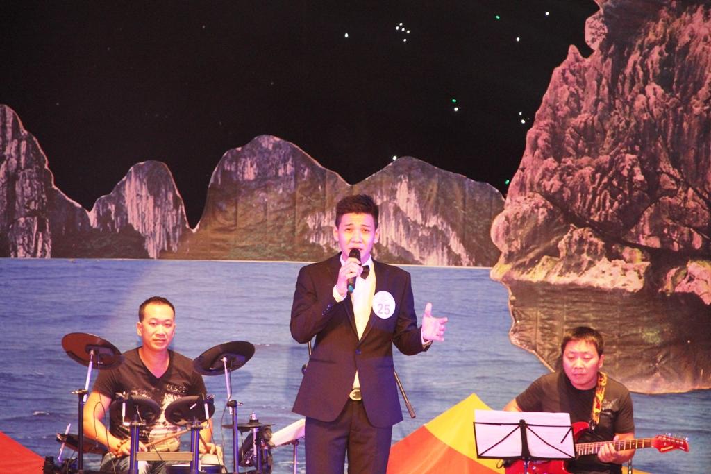 Ca sĩ ngành than giành ngôi quán quân Tiếng hát PT-TH Quảng Ninh 12