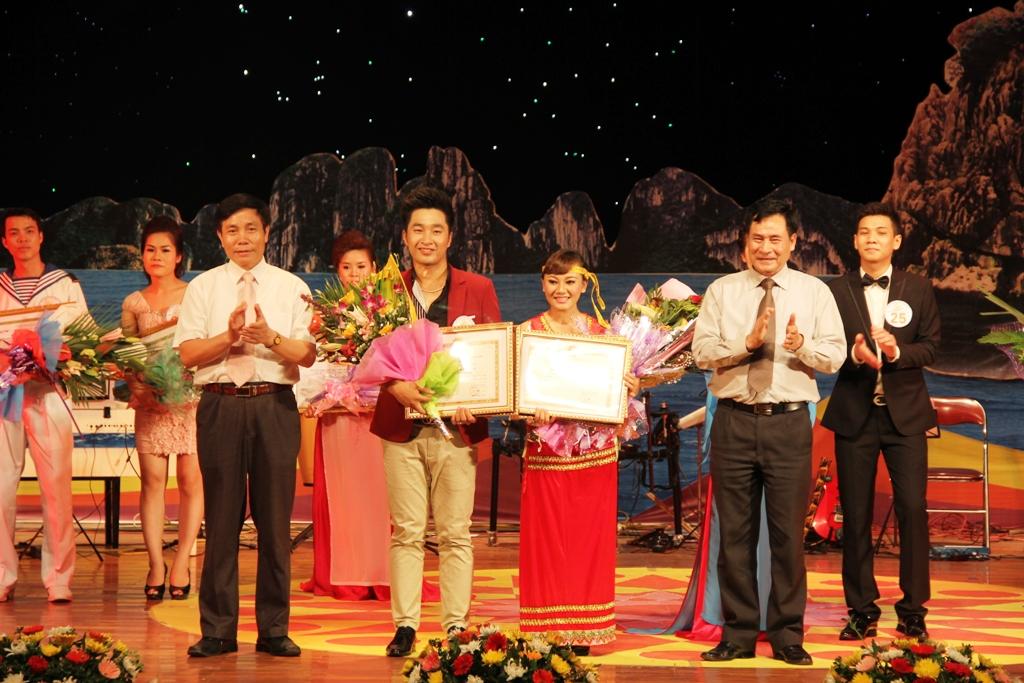 Ca sĩ ngành than giành ngôi quán quân Tiếng hát PT-TH Quảng Ninh 17