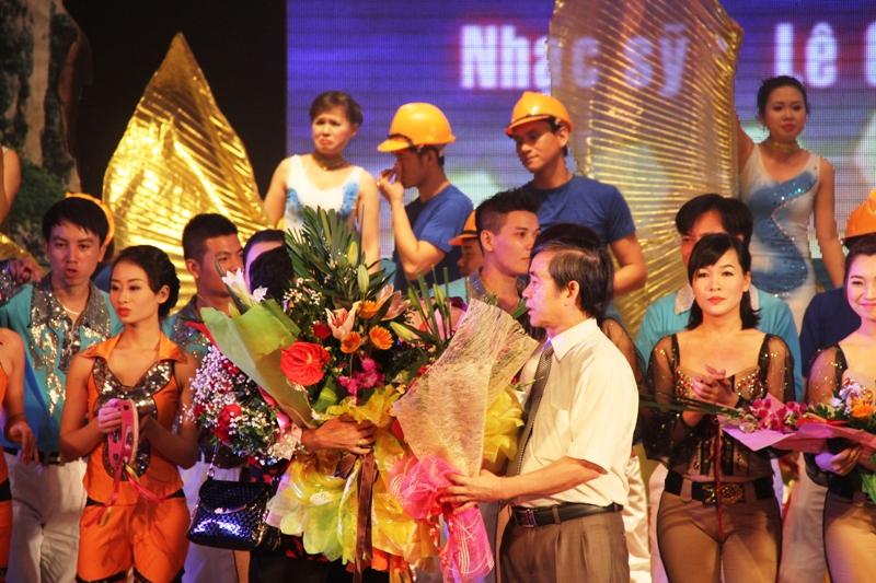 """Quảng Ninh: Sâu lắng đêm nhạc """"Vùng than tình yêu tôi"""" 25"""