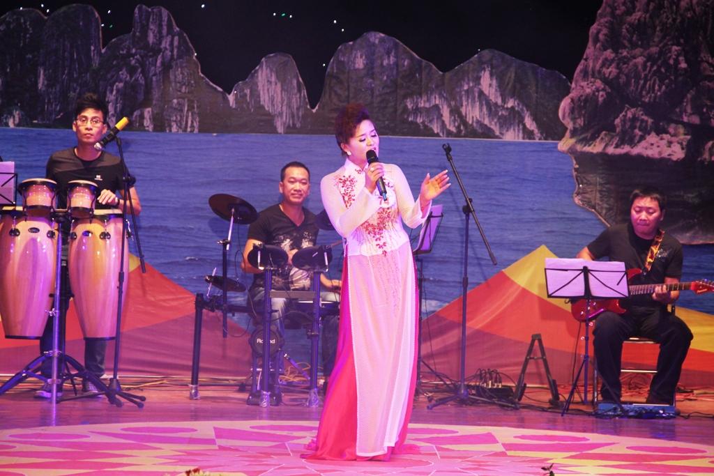 Ca sĩ ngành than giành ngôi quán quân Tiếng hát PT-TH Quảng Ninh 7