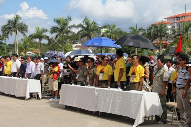 Sôi động khai mạc giải đua xe địa hình Hạ Long 2013 3