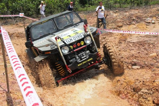 Sôi động khai mạc giải đua xe địa hình Hạ Long 2013 17