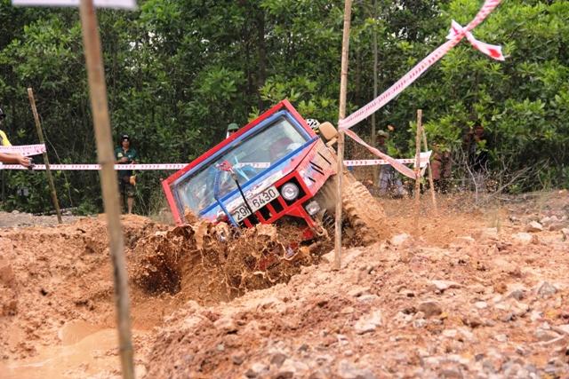 Sôi động khai mạc giải đua xe địa hình Hạ Long 2013 21
