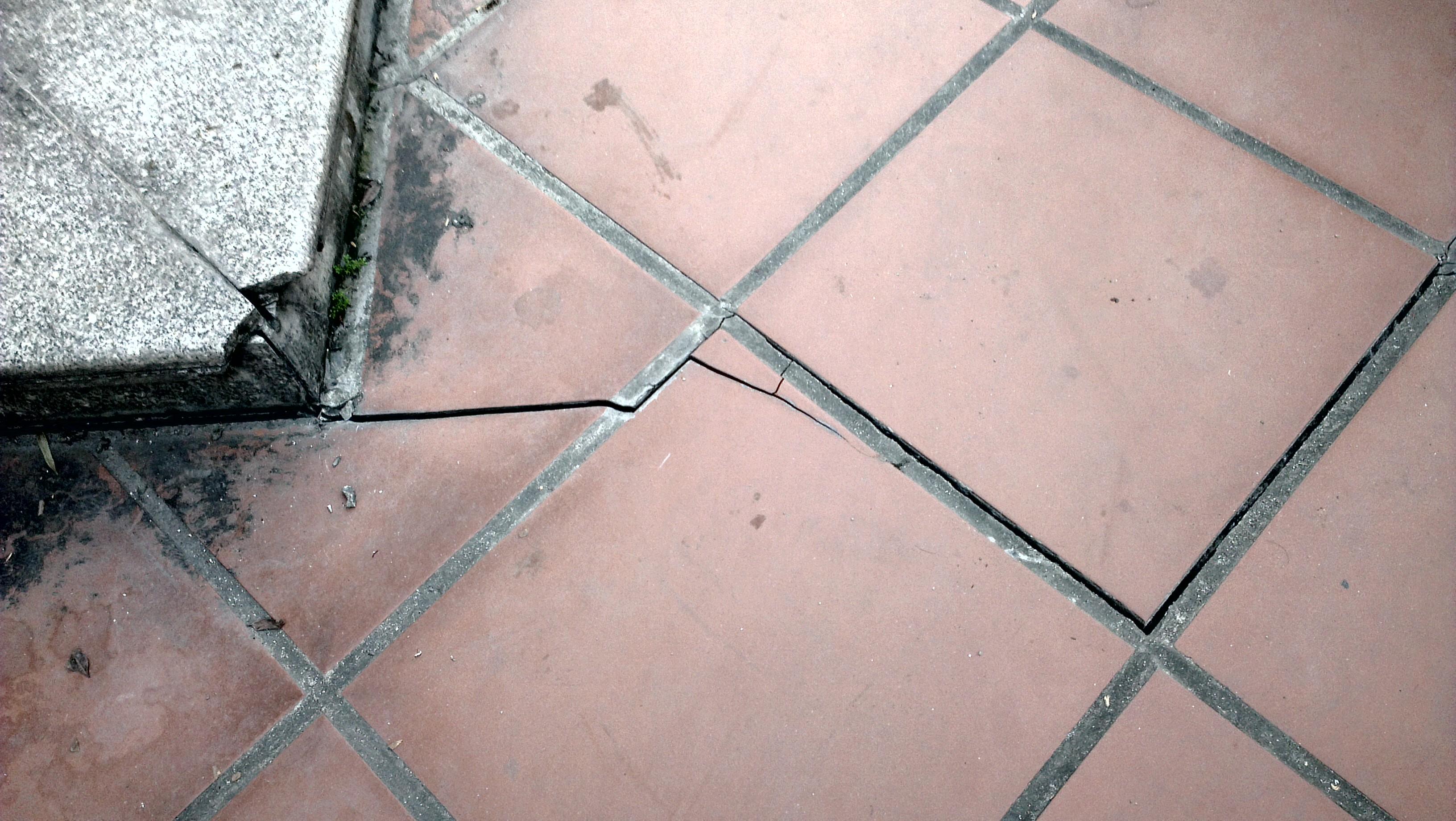 Lại xuất hiện sạt lún tại Cẩm Phả, di dời khẩn cấp 17 hộ dân 1
