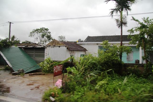Cận cảnh bão số 5 đổ bộ vào Quảng Ninh 11