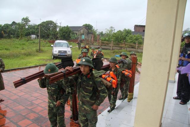 Cận cảnh bão số 5 đổ bộ vào Quảng Ninh 12