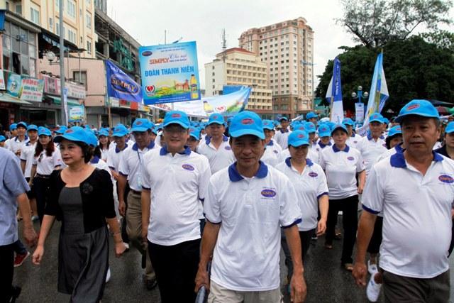 Quảng Ninh: Hơn 2.000 người đi bộ hưởng ứng ngày tim mạch thế giới 4