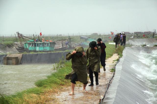 """Bão số 5 """"quét"""" miền Đông tỉnh Quảng Ninh 1"""