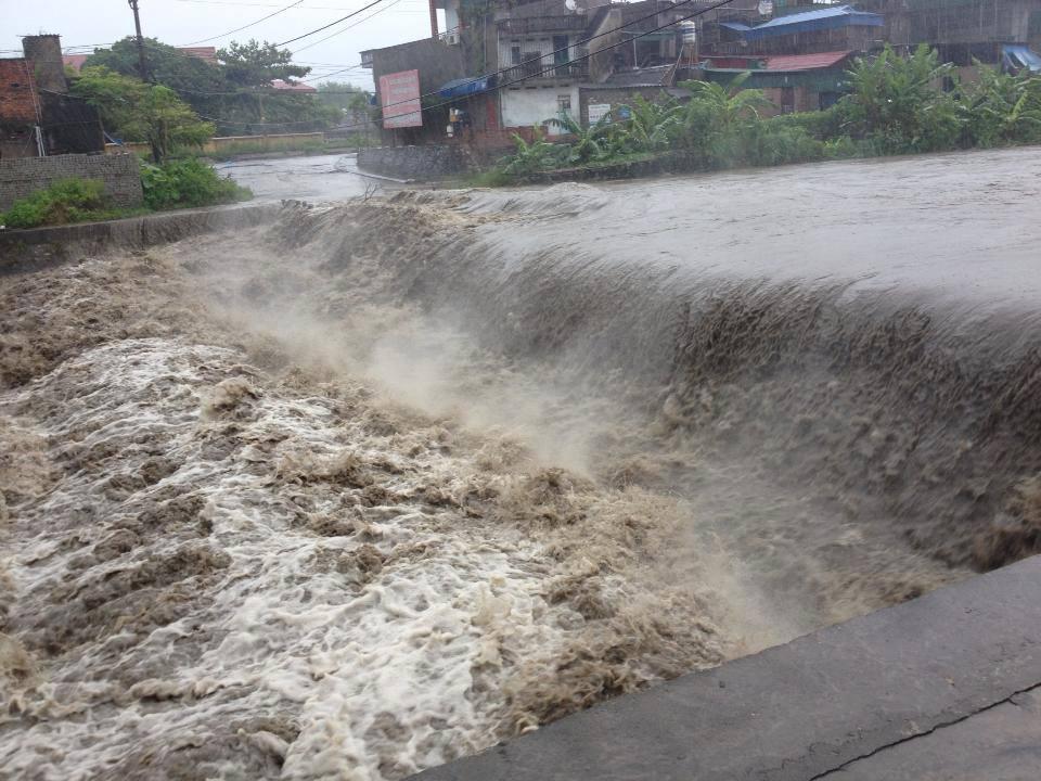 Quảng Ninh: 2 công nhân bị nước cuốn trôi 1