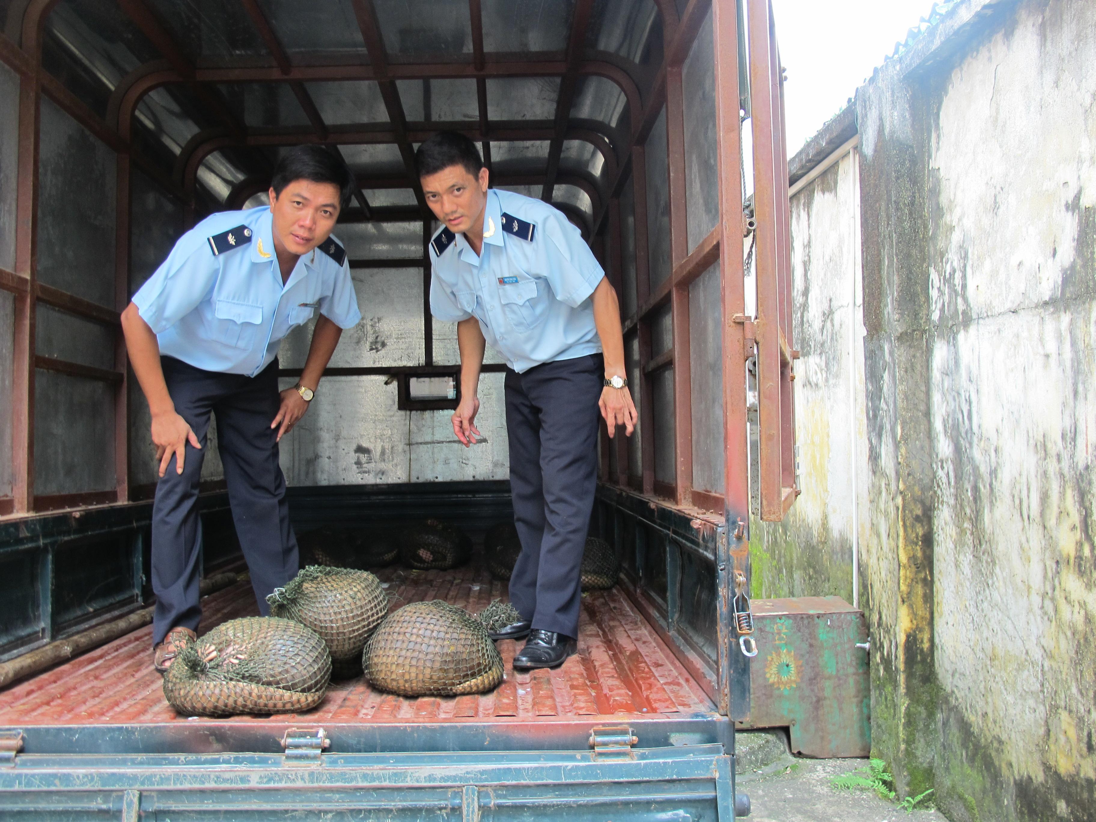 Quảng Ninh: Liên tiếp bắt các vụ buôn lậu hang hóa, vận chuyển gia cầm 2