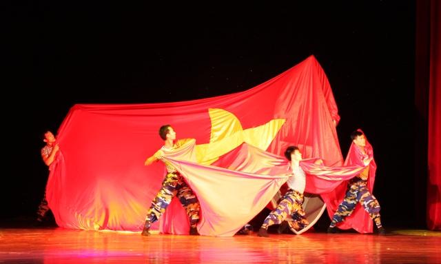 Nhiều sự cố ở ngày đấu tiên cuộc thi Tài năng trẻ biên đạo múa toàn quốc 3