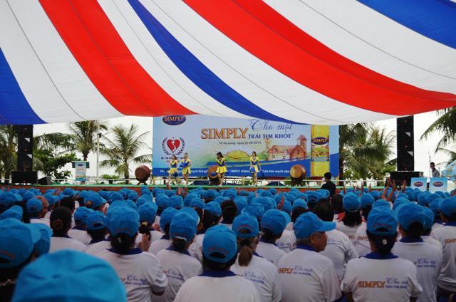 Quảng Ninh: Hơn 2.000 người đi bộ hưởng ứng ngày tim mạch thế giới 1