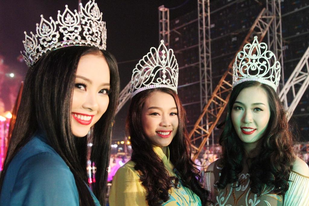Dàn hoa hậu, người đẹp tỏa sáng ở Hạ Long 7