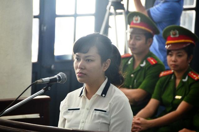 """Xét xử nữ quái """"siêu lừa"""" hằng trăm tỷ đồng ở Quảng Ninh 3"""