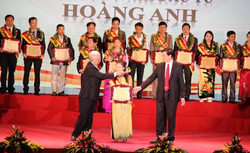 Quảng Ninh: 100 doanh nhân tiêu biểu được vinh danh 4