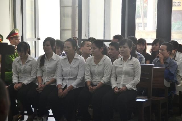 """Xét xử nữ quái """"siêu lừa"""" hằng trăm tỷ đồng ở Quảng Ninh 4"""