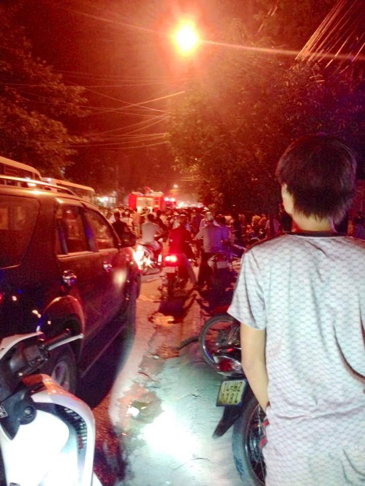 Quảng Ninh: Cận cảnh vụ người đàn ông đổ xăng tự thiêu tại tiệm vàng 4