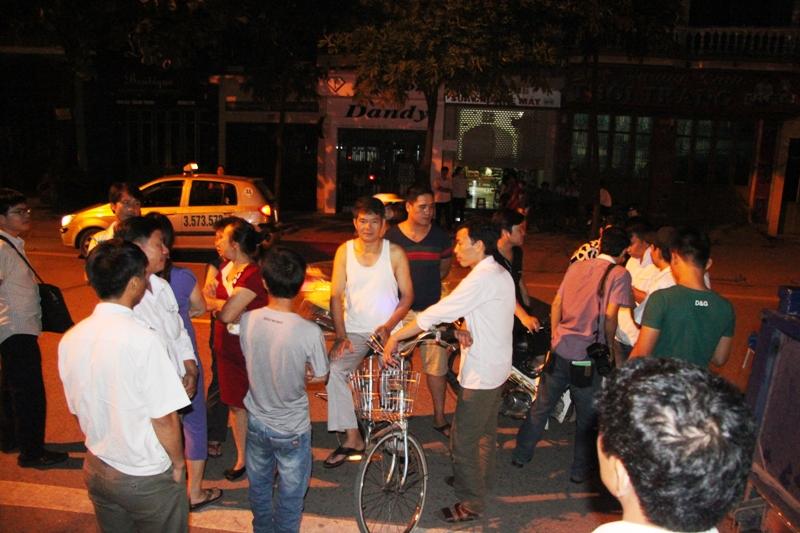 Quảng Ninh: Cận cảnh vụ người đàn ông đổ xăng tự thiêu tại tiệm vàng 3
