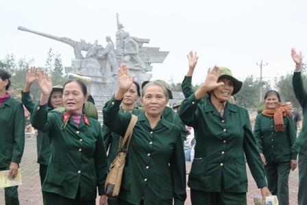 Xúc động ngày về thăm Đại đội nữ pháo binh Ngư Thủy 21