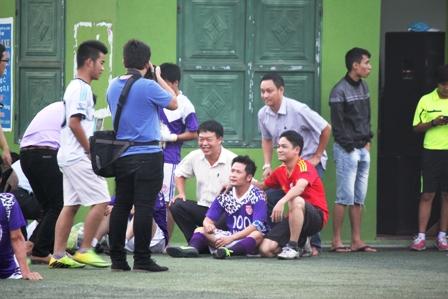 """Bằng Kiều """"tung hoành"""" trên sân cỏ ở Quảng Ninh 22"""