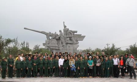 Xúc động ngày về thăm Đại đội nữ pháo binh Ngư Thủy 2
