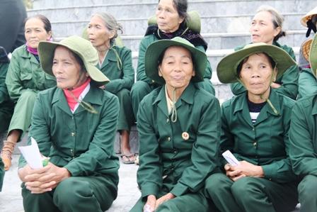 Xúc động ngày về thăm Đại đội nữ pháo binh Ngư Thủy 15