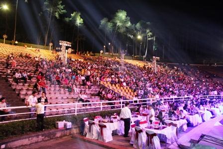 Live concert Bằng Kiều tại Quảng Ninh ế khách 5