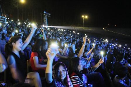 Live concert Bằng Kiều tại Quảng Ninh ế khách 17