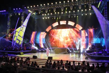 Live concert Bằng Kiều tại Quảng Ninh ế khách 1
