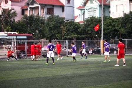 """Bằng Kiều """"tung hoành"""" trên sân cỏ ở Quảng Ninh 14"""
