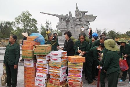 Xúc động ngày về thăm Đại đội nữ pháo binh Ngư Thủy 11