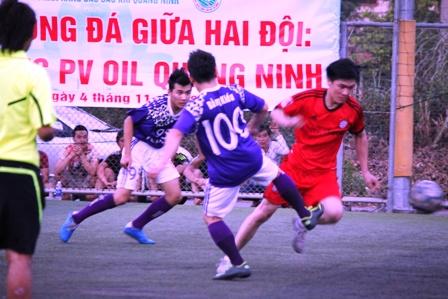 """Bằng Kiều """"tung hoành"""" trên sân cỏ ở Quảng Ninh 16"""